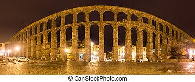 Night panorama of Roman Aqueduct
