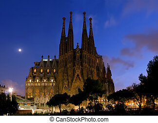 night Sagrada Familia - SPAIN - AUGUST 24: La Sagrada...