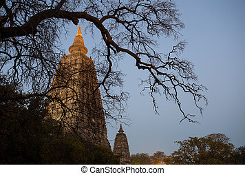 Mahabodhi temple, bodh gaya, India - Night Shot. Mahabodhi ...