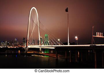 Night view of bridge into Dallas