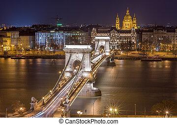 Night View of the Chain Bridge and church St. Stephen's Basilica
