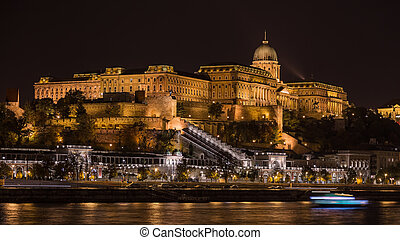 Night view of the Royal Castle, Budapest