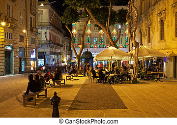 Nightly life in Valletta town