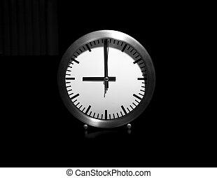Nine o'clock - Clock showing the hours of nine
