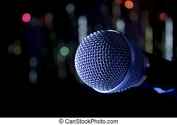ningunas personas, radio, plata, microphone.