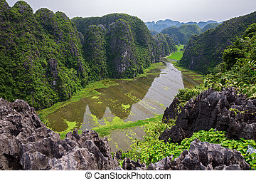 Ninh Binh - The other halong bay in Vietnam, ninh binh