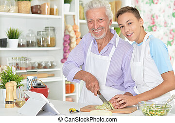 nipote, cena, preparare, anziano, cucina, uomo