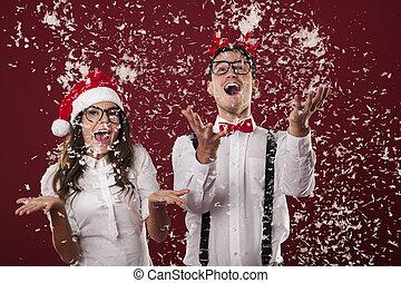 noël, couple, heureux, neige, excité