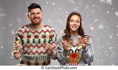 noël, heureux, sparklers, fête, couple