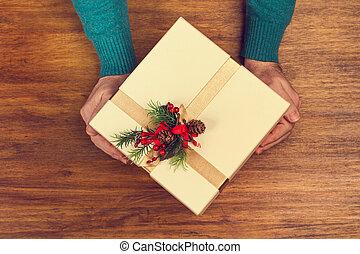 noël, homme, tenue, cadeau