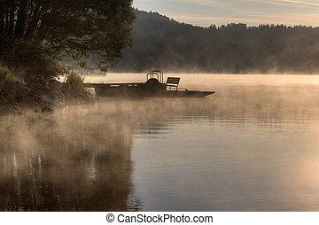 nožní, predni, východ slunce, nad, pilíř, člun, jezero, jezero, čech, lipno, ráno, léto, mlha, vyton, republika