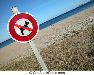 No dog sign on the beach