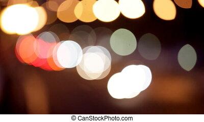 noc, sygnalizacja świetlna, od, przedimek określony przed rzeczownikami, wielkie miasto