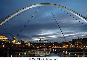 noche, puentes, en, newcastle