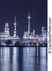 noche, refinería, cerca, planta, río, escena, tailandia, ...
