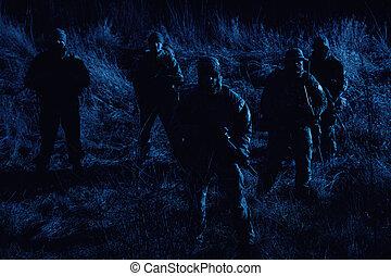 noche, soldados, ejército, patrullar, tripulación, ...