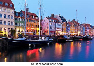noite, paisagem, de, nyhavn, em, copenhaga, dinamarca