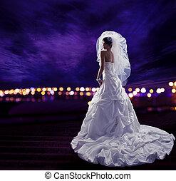 noiva vestido casamento, com, véu, moda, nupcial, beleza, retrato
