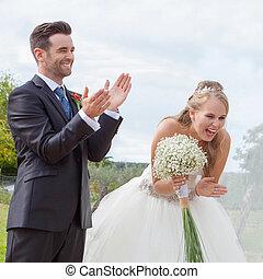 noivinhos, feliz, casório