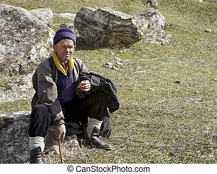 Nomadic sheepherder - This Normadic sheepherder stops for a...