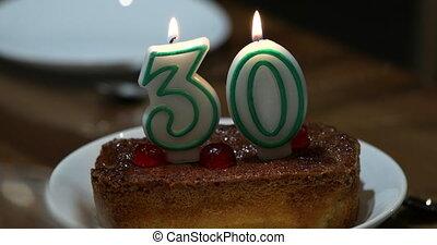 nombre, bougie, anniversaire, brûlé, gâteau