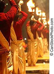 non identifié, hindou, rituel, prêtre, aarti, ganga, pendant...