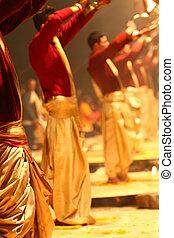 non identifié, hindou, rituel, prêtre, aarti, ganga, pendant, religieux