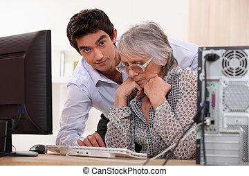 nonna, computer, nipote