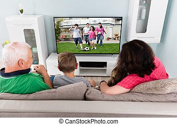 nonno, televisione, insieme, nipoti, osservare