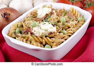 Noodle casserole with peas and creme fraiche