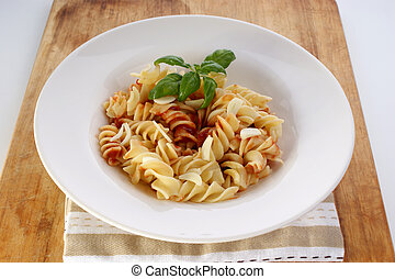 noodle with organic home made tomato sauce