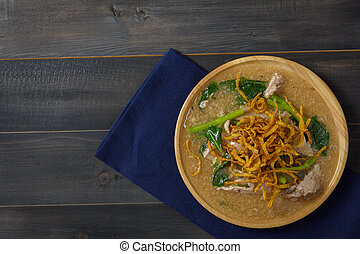 Noodles in Thick Gravy