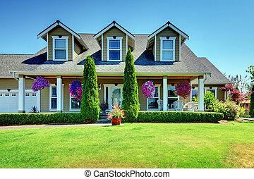 norteamericano, país, granja, lujo, casa, con, porch.