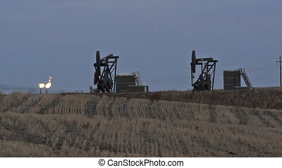 North Dakota Oil Pump Jack Fracking Crude Extraction Machine...