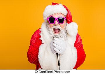 north-pole, befolyás, jelmez, tündér, x-mas, fokozat, bolond, elszigetelt, élőlény, előadás, sárga, claus., modern, sikoly, nagyapa, vidám, piros, énekel, beijedt, microphone elpirul, karácsony, háttér, szent, dal