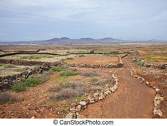 Northern Fuerteventura, pedestrian path from Lajares to Villaverde and La Oliva