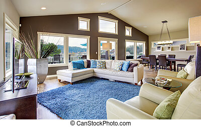 Northwest traditional large bright living room interior. -...