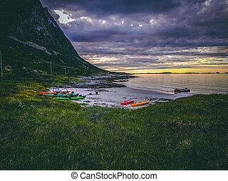noruega, verano, cielo, nublado, mar, ocaso, barcos, colorido, colina, foto
