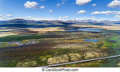 noruega, vista aérea, de, zángano, con, lagos, y, camino
