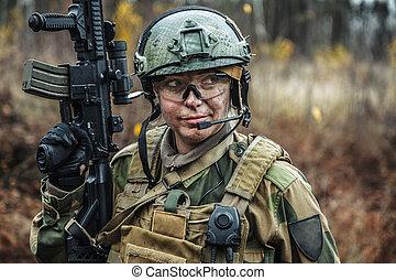 noruego, fuerzas armadas, hembra, soldado
