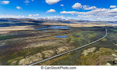 norvège, vue aérienne, depuis, bourdon, à, lacs, et, route