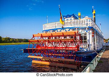nostálgico, steamboat