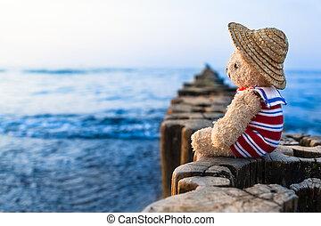 Nostalgic Holidays at the Sea
