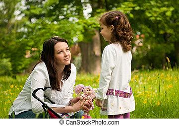 nostalgy, -, mãe, com, dela, criança, ao ar livre