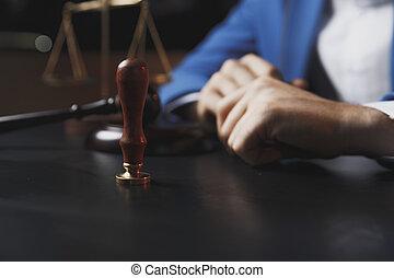 notary, cégtábla vádirat, közönség, hivatal