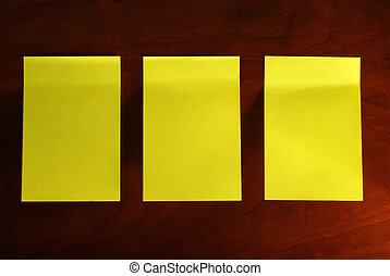 note, jaune