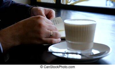 notebook., close-up., mains, homme affaires, lent, ton, quotidiennement, notes, flips, mouvement, sien, vue, planner., journal., par