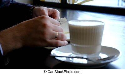 notebook., mains, gros plan, homme affaires, ton, quotidiennement, notes, flips, sien, vue, planner., journal., par, mâle