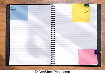 noteringen, anteckningsbok, spiral, tom
