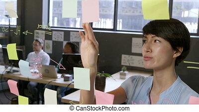 notes, femme, collant, regarder, cadre, 4k, bureau